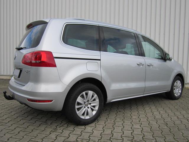 Volkswagen-Sharan-van-3