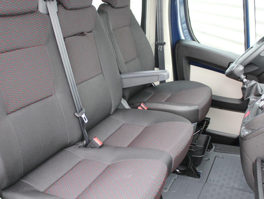 Peugeot Boxer DC leasen 6